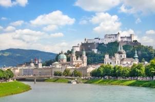 Tòa lâu đài đẹp nhất trên thế giới