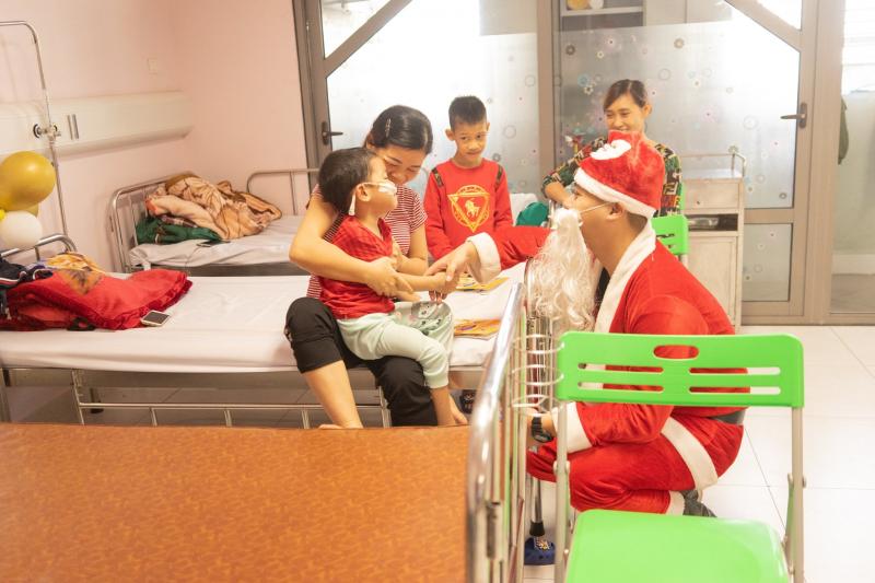 Dịch vụ chuyển quà Noel