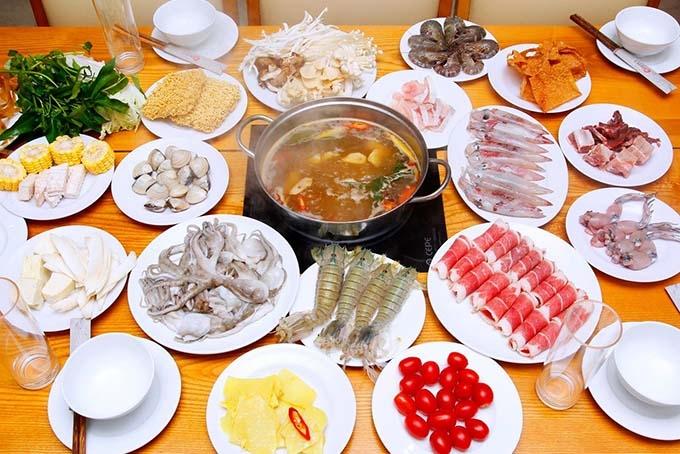 Nhất Lẩu là nhà hàng chuyên các món  lẩu Châu Á nổi tiếng
