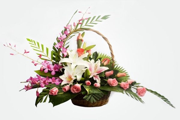 Hoa tươi tại cửa hàng luôn được tuyển chọn kỹ lưỡng, đa dạng.