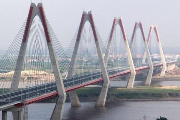 Cầu Nhật Tân là cây cầu dây văng lớn nhất Việt Nam
