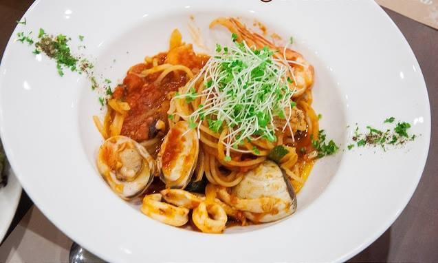 Món Ý hấp dẫn tại nhà hàng