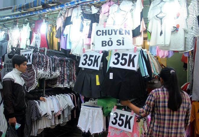 Top 9 Chợ bán quần áo thời trang giá tốt nhất tại Sài gòn