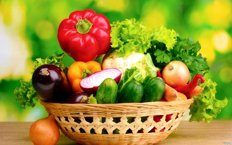 Rau xanh và hoa quả chín rất giàu chất xơ