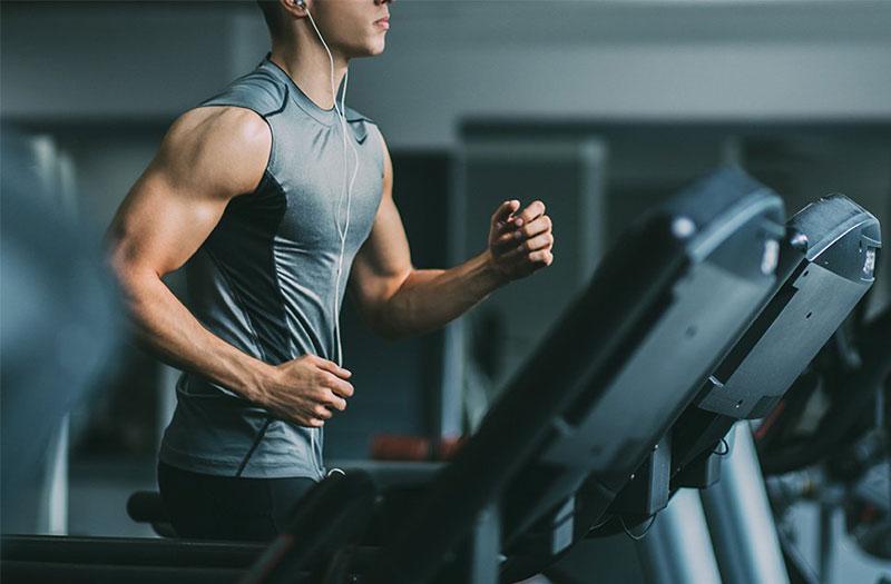 Tập gym tăng cường sức mạnh cơ bắp