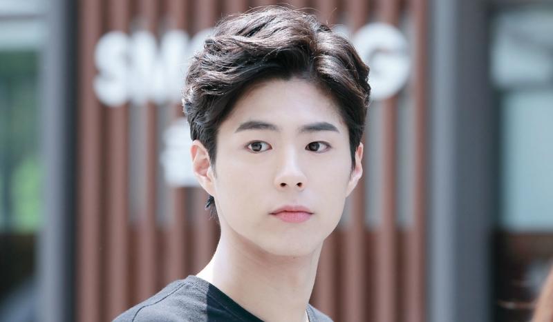 Hàn Quốc thường thể hiện khuôn mặt nghiêm túc đôi khi là có phần cau có