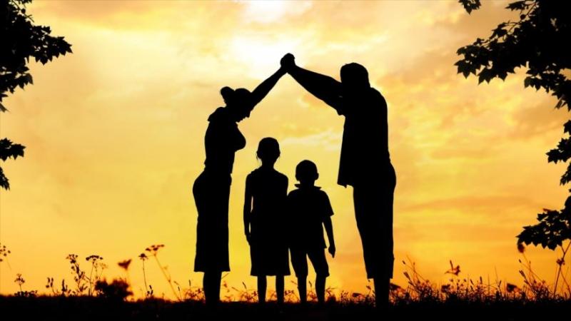 Gia đình là nơi nuôi dưỡng tâm hồn mỗi con người.