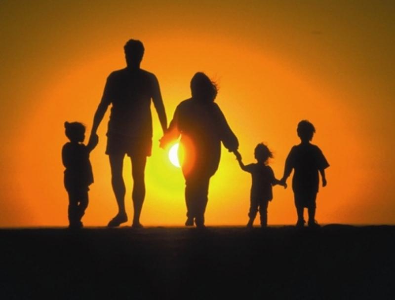 Gia đình là tế bào của xã hội