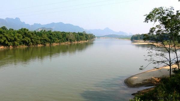 Bài văn tả dòng sông quê hương số 9