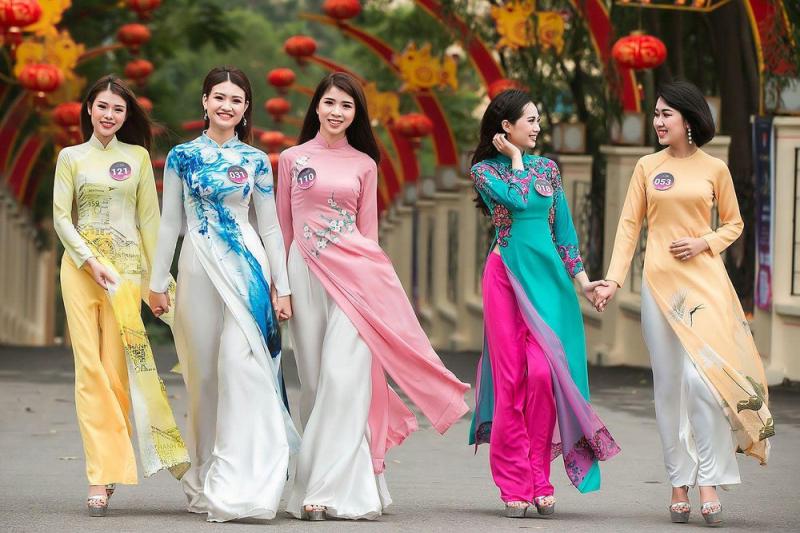 Top 8 dàn ý bài văn thuyết minh về áo dài Việt Nam chi tiết nhất