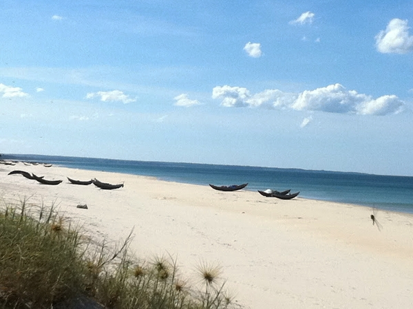 Cửa Tùng với biển trong xanh, cát mịn màng