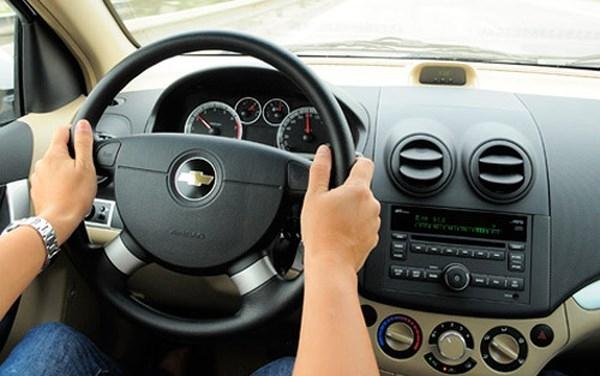 Lái xe ở tốc độ vừa phải sẽ giúp tiết kiệm nhiên liệu