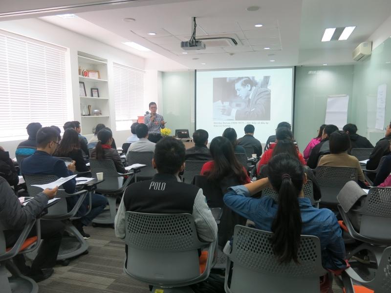 Một buổi học chứng khoán SRTC tổ chức