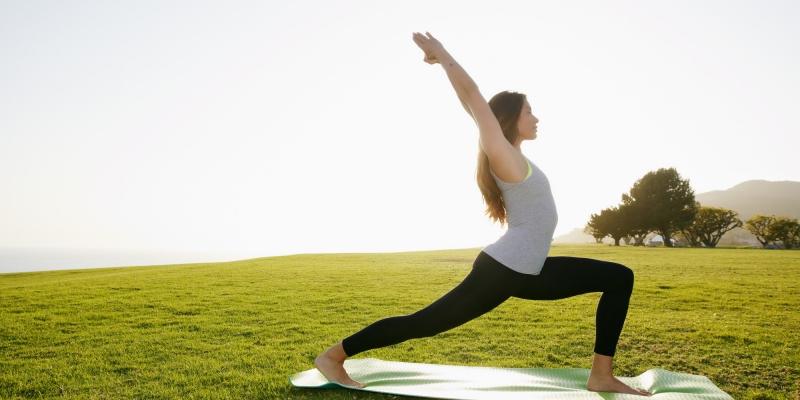Tập yoga thường xuyên đem lại cho bạn giấc ngủ ngon hơn