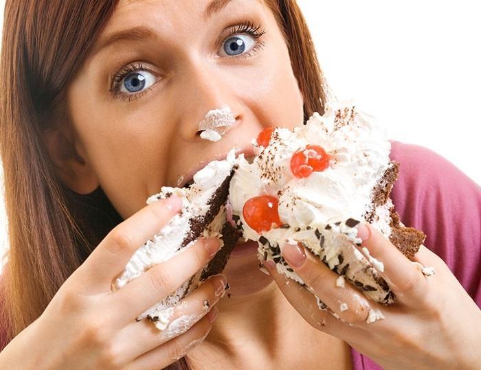Ăn nhiều đồ ngọt, đặc biệt là đường