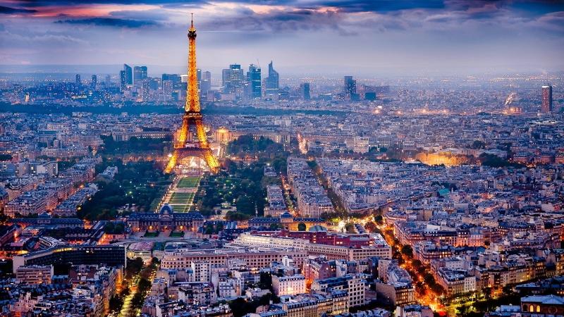 Paris mang vẻ đẹp mùa đông ngoạt ngào