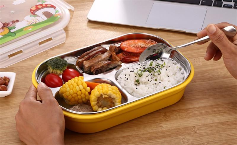 12h00: Ăn trưa và nghỉ trưa