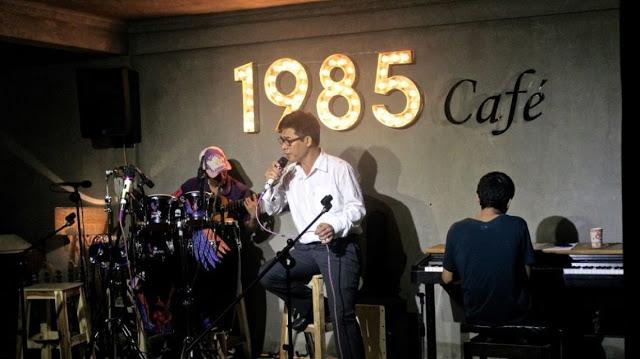 Hàng đêm, quán tổ chức đêm nhạc giao lưu với tiếng hát của những người yêu âm nhạc