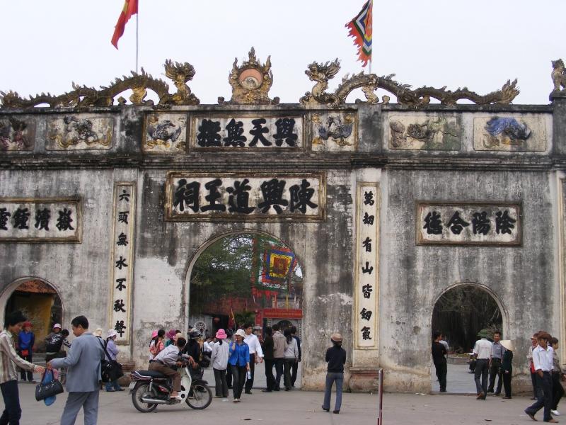 Khu di tích Côn Sơn - Kiếp Bạc