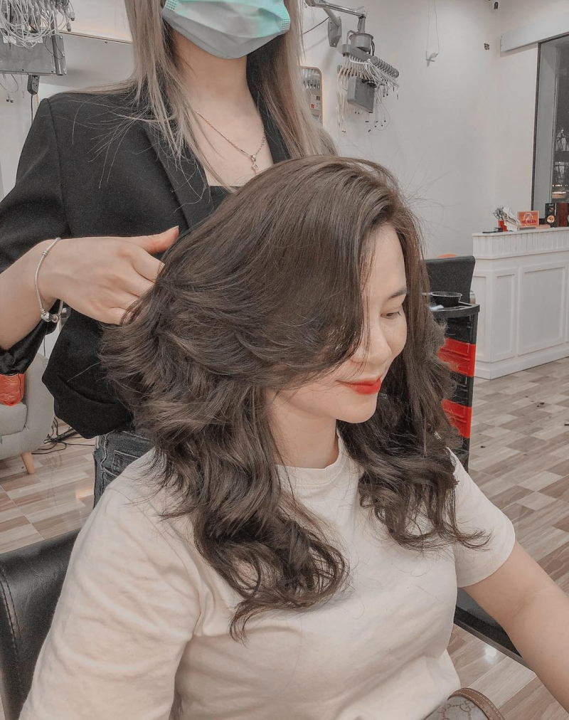 2000 Hair Salon