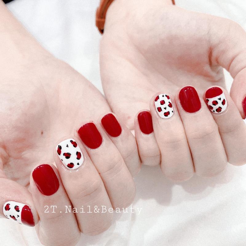 2T Nail & Beauty