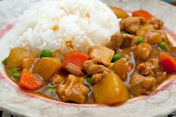 3. Cơm gà cà ri kiểu Nhật