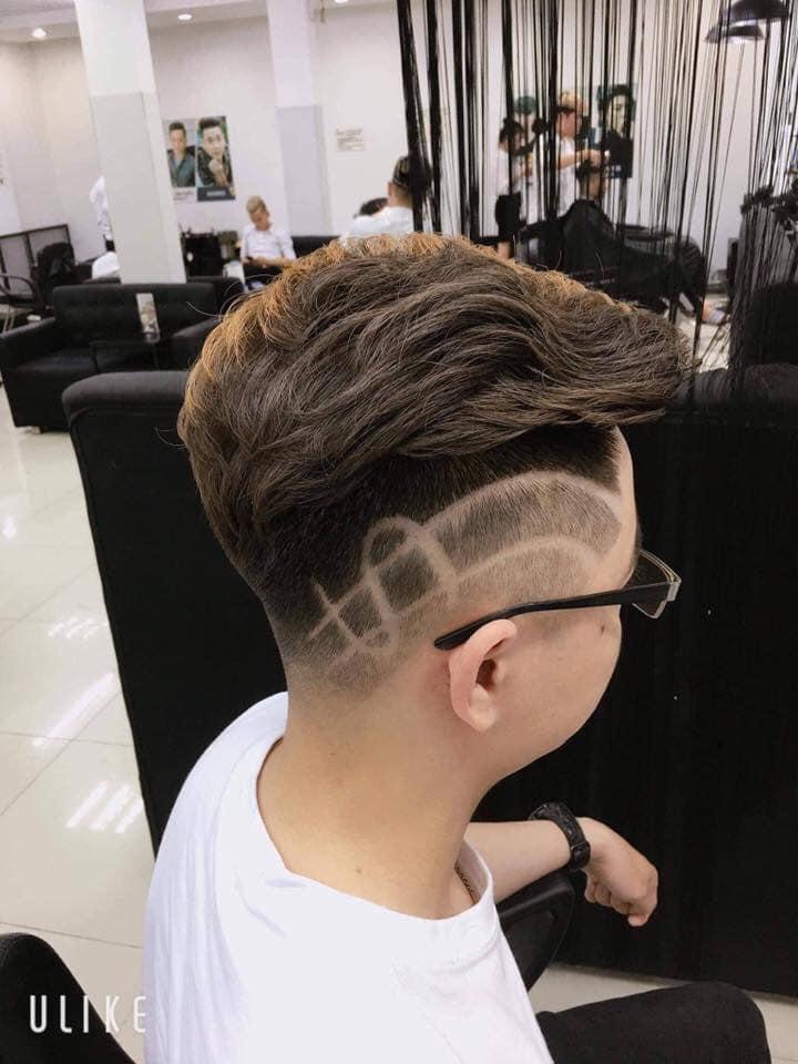 Tại 30Shine, các stylist được đào tạo liên tục về kĩ thuật và xu hướng tóc nam mới nhất trên thế giới.