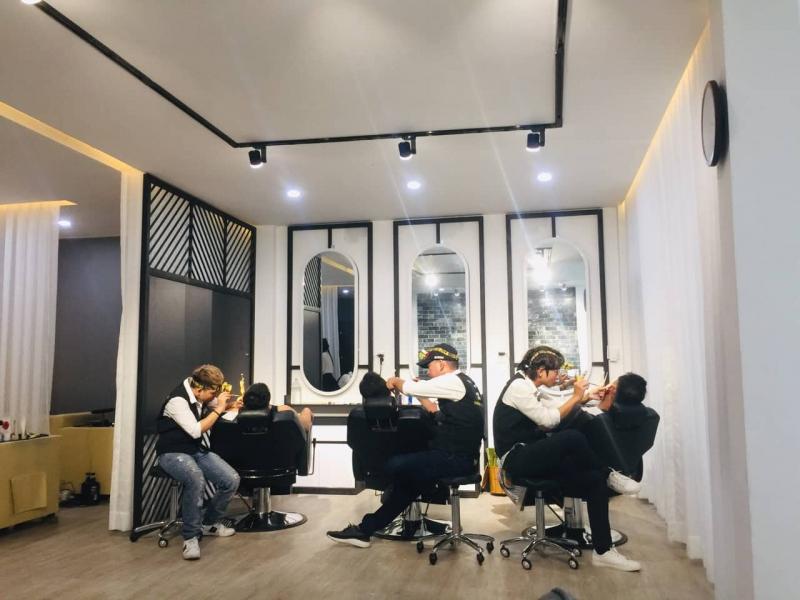 3Man Hair Salon