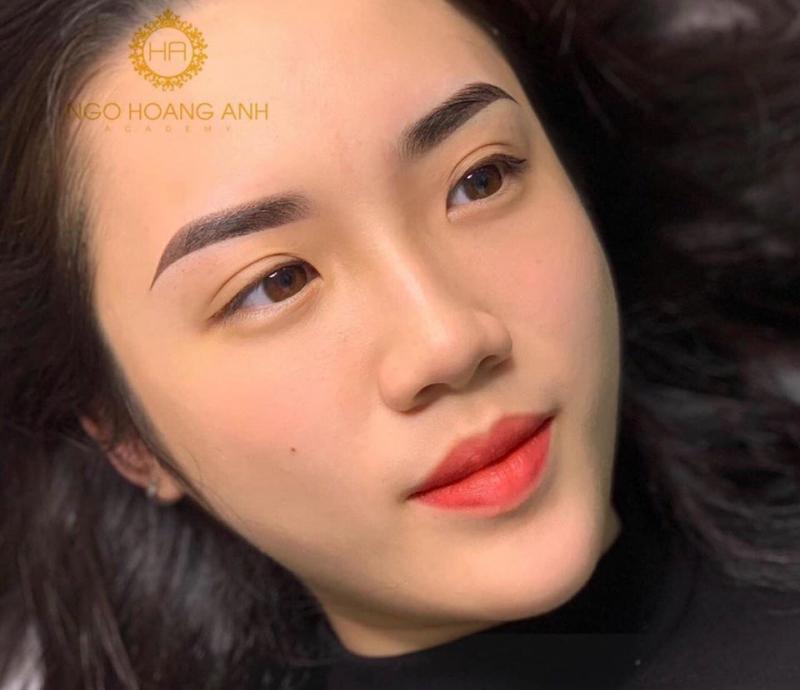 Ngo Hoang Anh phun xăm