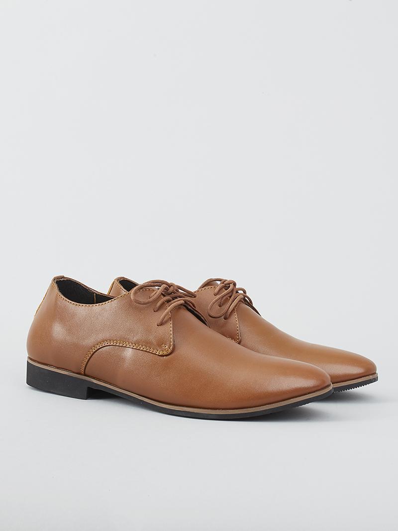 Giày nam tại 4MEN luôn được thiết kế và sản xuất với chất liệu da bò thật 100%