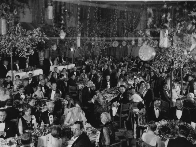 Bữa tiệc tối với 270 khách mời