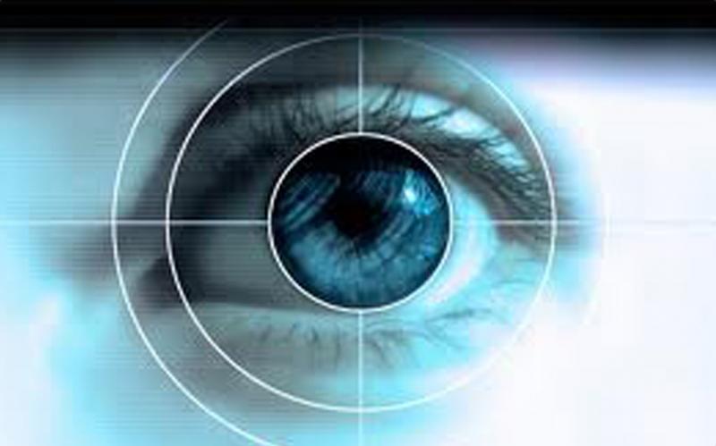 Mắt viễn thị nhìn mờ ở khoảng cách gần