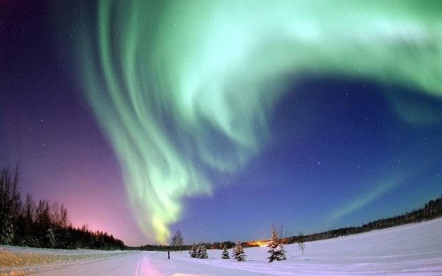 Cảnh Bắc cực quang kì diệu tại Alaska