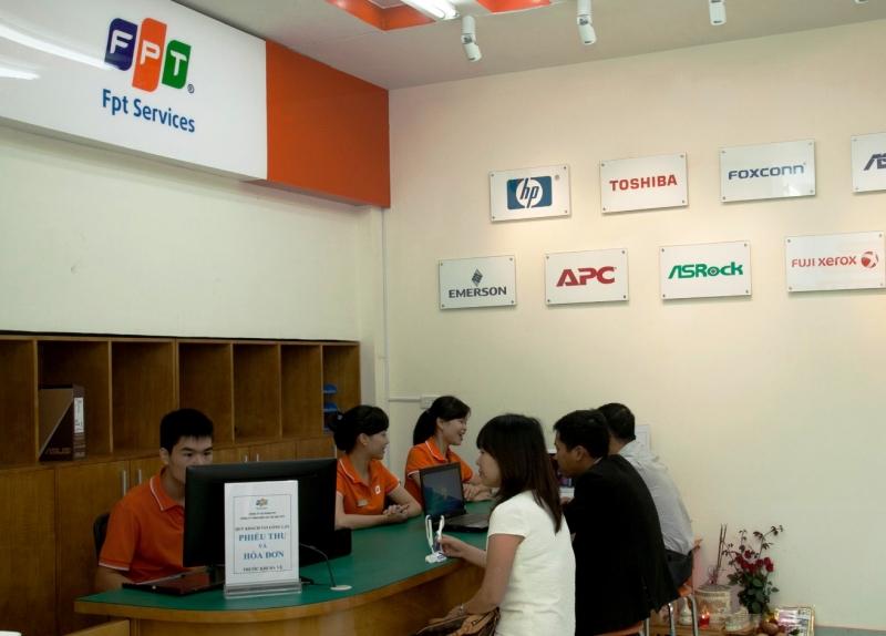 Nhân viên tư vấn khách hàng của FPT