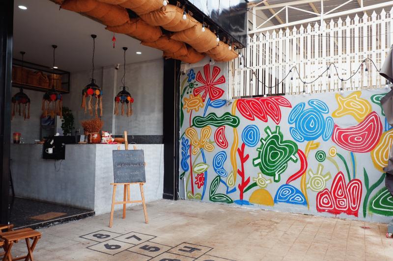 90s Coffee Shop