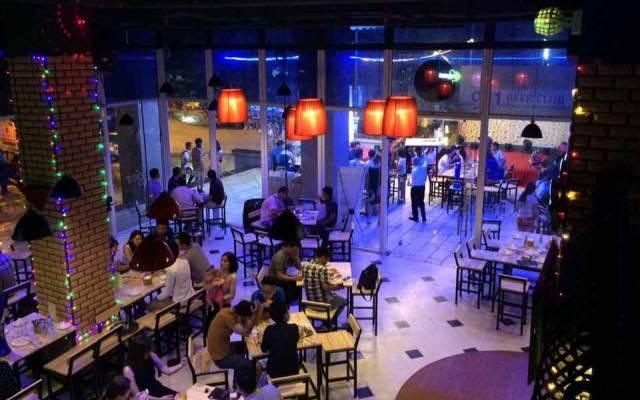 Không gian huyền ảo vào buổi tối ở 911 Beer Club