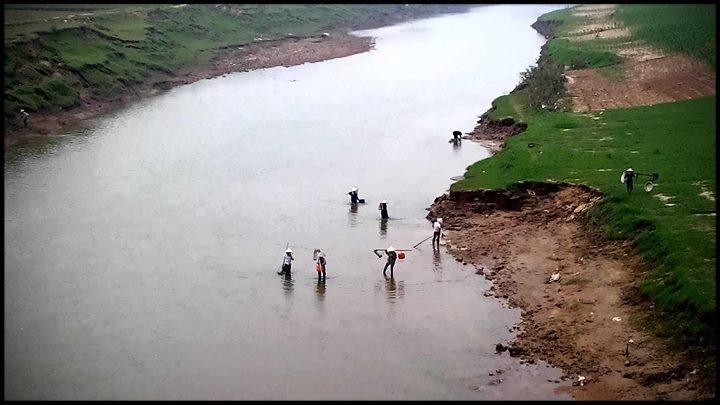 Một chiều ven sông
