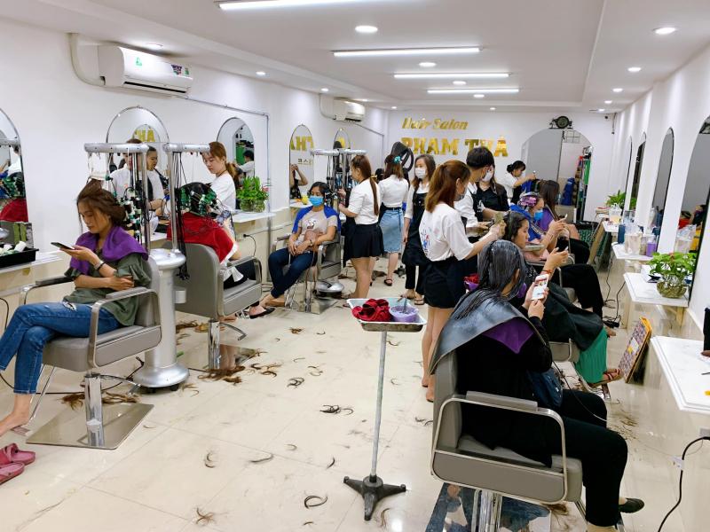 Salon Phạm Thà