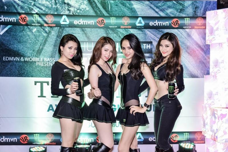 Người mẫu từ công ty Á Châu xuất hiện trong nhiều sự kiện.