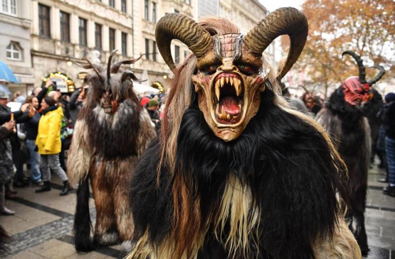 Ác quỷ Krampus dọa trẻ con hư tại nước Áo và nước Đức