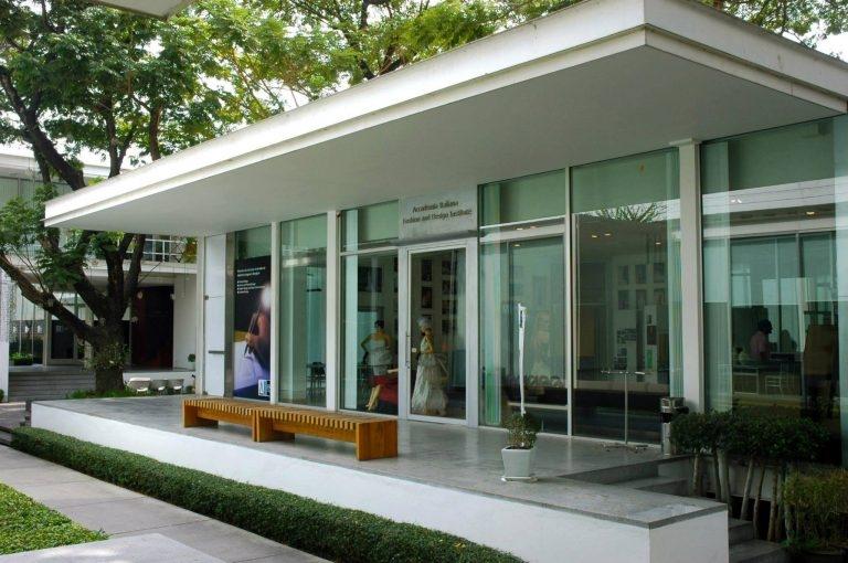 Học viện thiết kế thời trang Italiana.