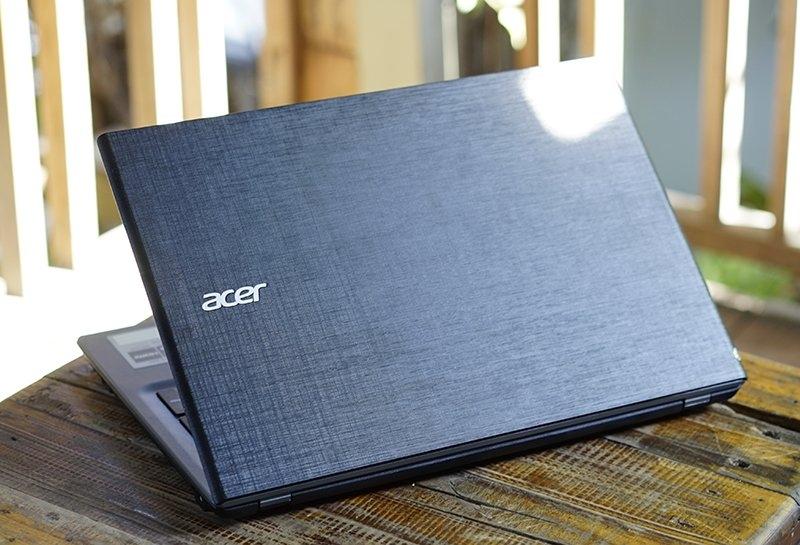 Hình dáng bên ngoài của Acer E5-573-35X5