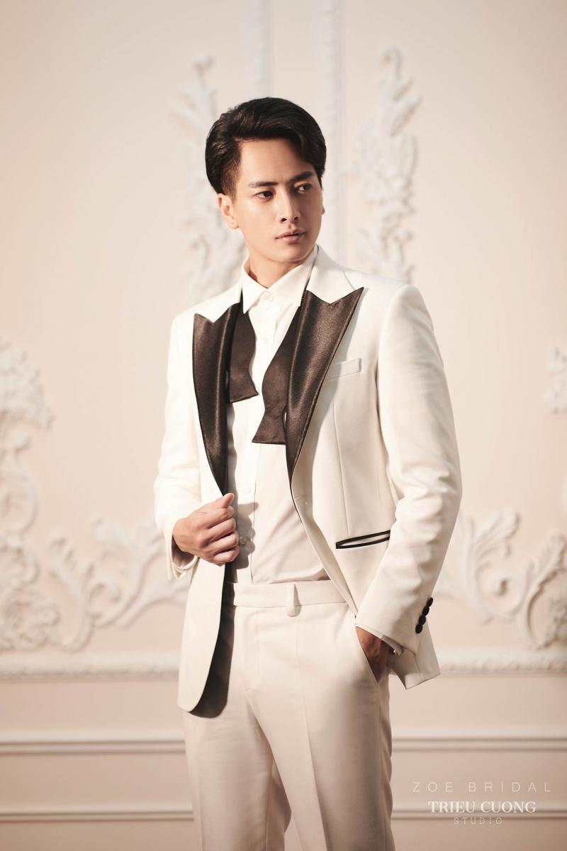 Adam Store mang đến hàng trăm mẫu áo vest nam cao cấp, mẫu mã đẹp, phom dáng đúng chuẩn để quý ông thể hiện phong cách lịch lãm, thời thượng của riêng mình