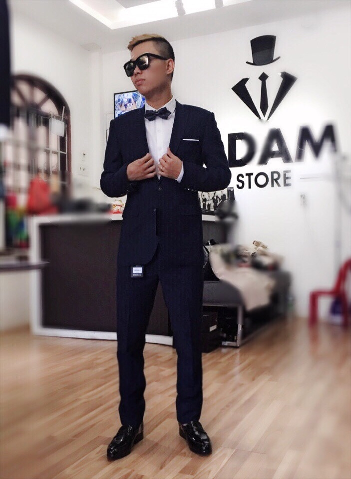 Ảnh khách hàng mặc thử Vest của Store