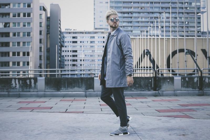 Một bộ đồ lịch lãm như thế này, Adidas NMD City Sock cũng có thể tạo nên một thần thái cao quý.
