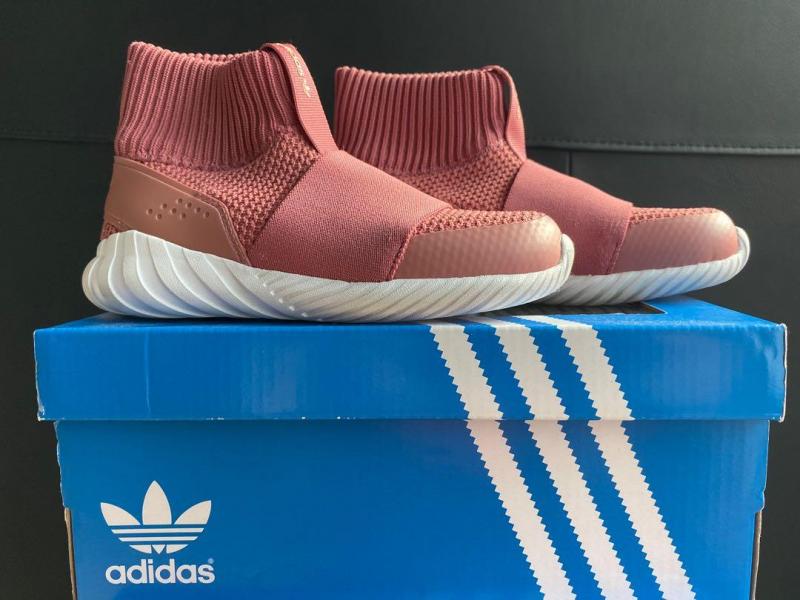Bản màu hồng