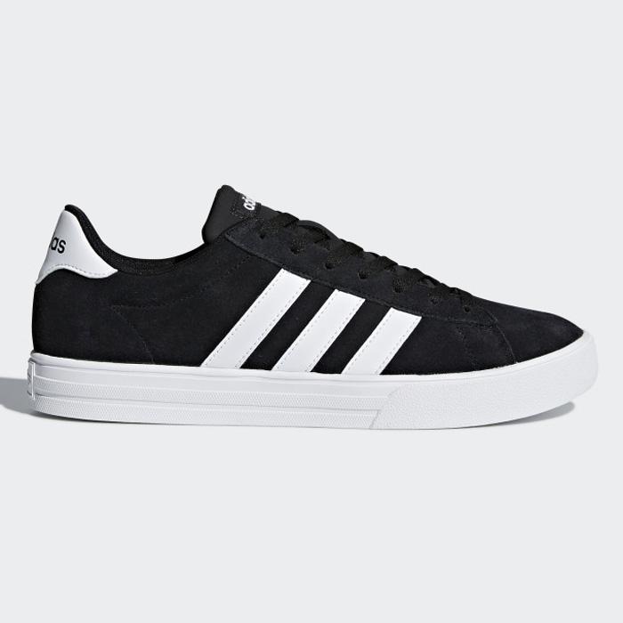 Giày adidas chính hãng mềm nhẹ, êm chân, dù đi bộ hay để hoạt động thể thao đều cực kỳ ổn