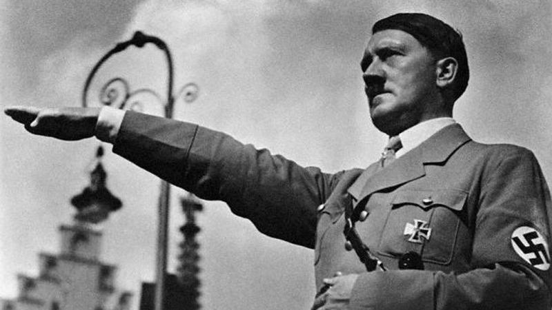 Quốc trưởng Đức Adolf Hitler