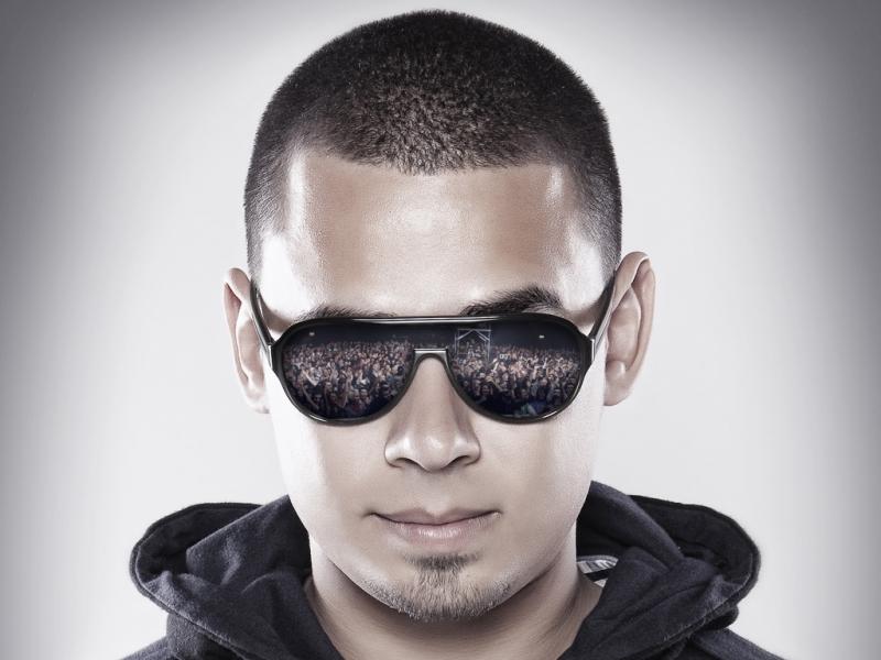 Afrojack là một DJ nổi tiếng người Hà Lan