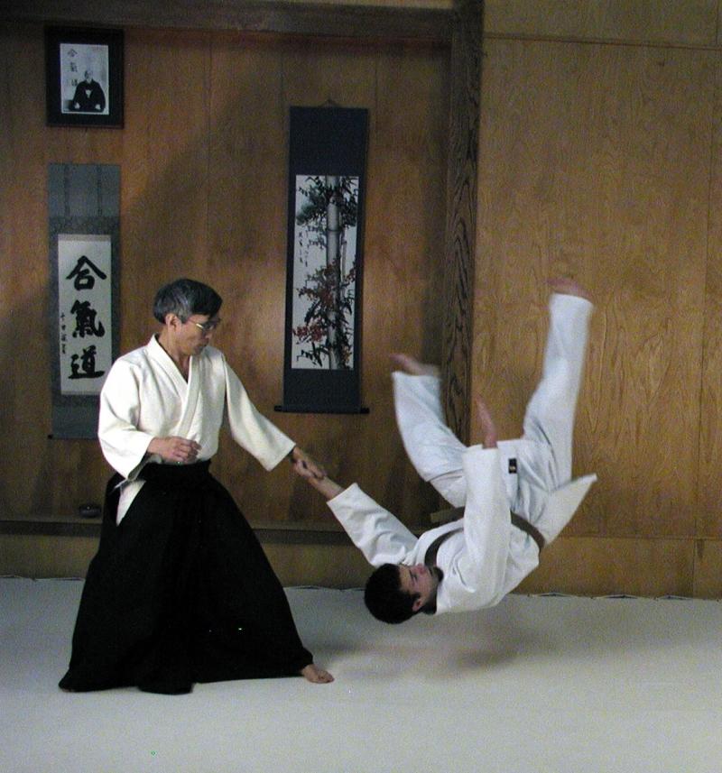 Aikido giúp bạn rèn luyện sức khỏe.